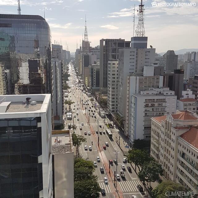 SP_São-Paulo-por-João-Basso-28-5-19-nuvens-altas-e-sol