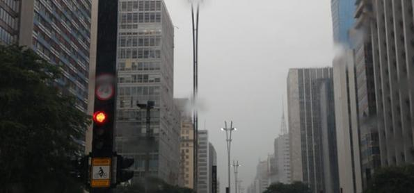 Chuva diminui na Grande São Paulo durante a quinta-feira