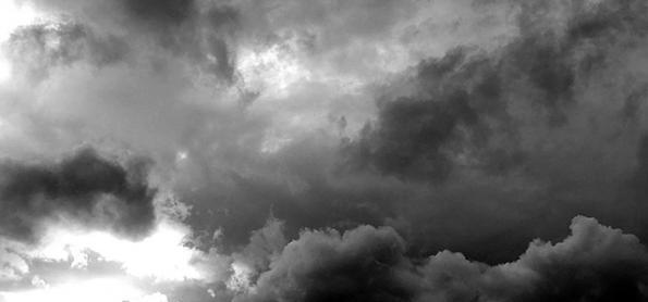 Umidade aumenta e nuvens carregadas se formam sobre SP