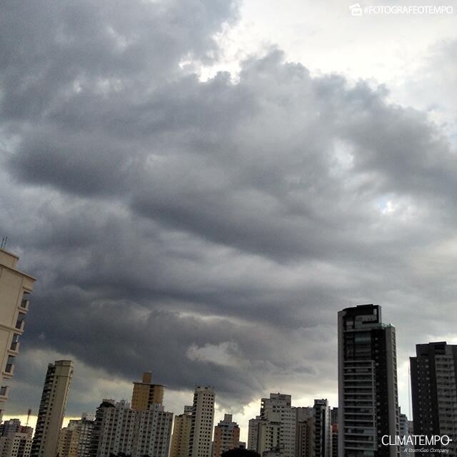 SP_São-Paulo-por-Marcelo-Pinheiro-6-3-19-nuvens-de-chuva