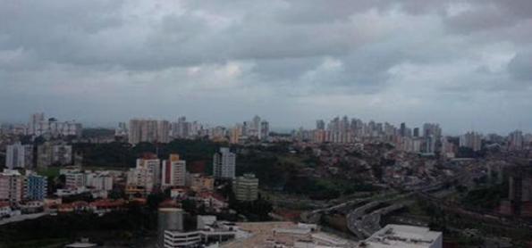 Domingo será de chuva e tempo instável em Salvador