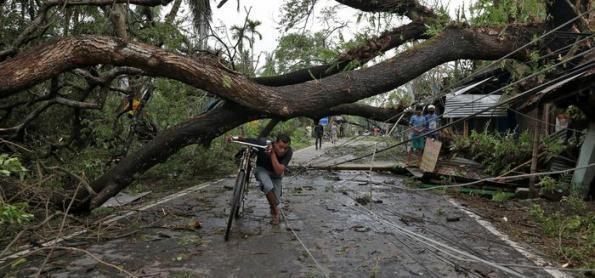 Ciclone deixa mais de 80 mortos na Índia e Bangladesh