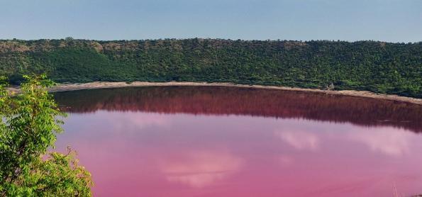 Lago Lonar muda de cor misteriosamente