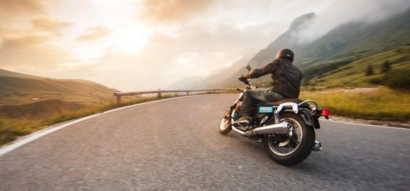 Conheça as rotas românticas para fazer de moto pós covid-19