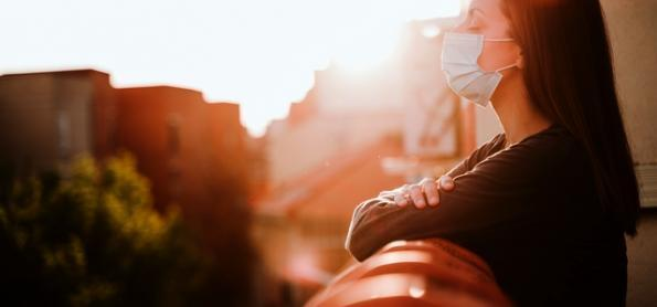 Falta de vitamina D pode aumentar risco de Covid-19, diz estudo
