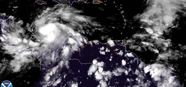 Iota pode virar outro grande furacão no mar do Caribe