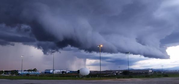 A beleza das nuvens de temporal