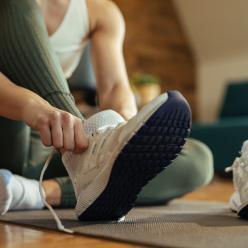 Cuidado com tênis evita proliferação de bactérias