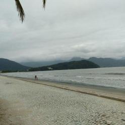 Muita chuva no litoral do Sul e do Sudeste