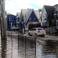 Atenção para chuva muito volumosa entre o litoral de SC e de SP