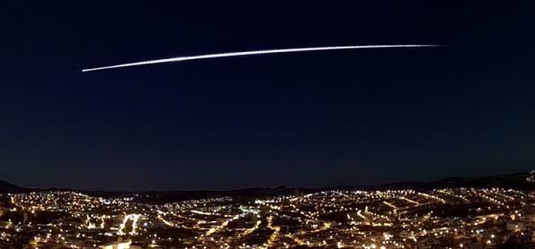 Meteoro ilumina o céu nos quatro estados do Sudeste