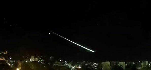 Meteoros foram filmados em cidades de SP, MG e RJ