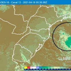 Possível ciclone subtropical em formação na costa de SP