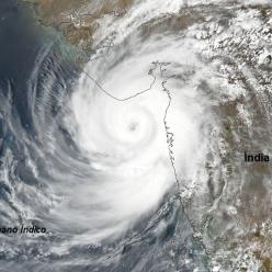 Super Ciclone Tauktae chega a Índia
