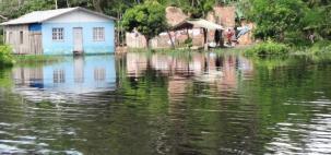 Rio Negro atinge a sexta maior cheia histórica