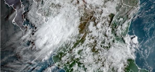 Furacão Nora de categoria 1 atingiu a costa oeste do México