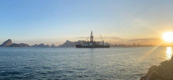 Baixa pressão no mar provoca chuva no litoral de SP e do RJ