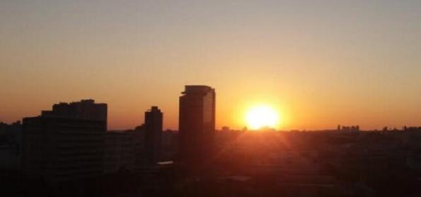 Semana começa quente no Sudeste do Brasil