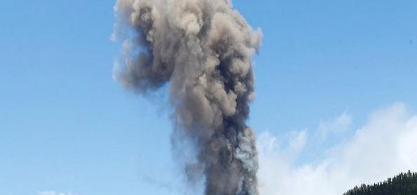 URGENTE: Vulcão Cumbre Vieja entra em erupção nas Ilhas Canárias