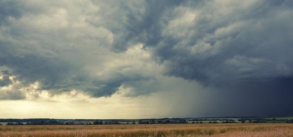 Alerta máximo para tempestades severas em SC e PR