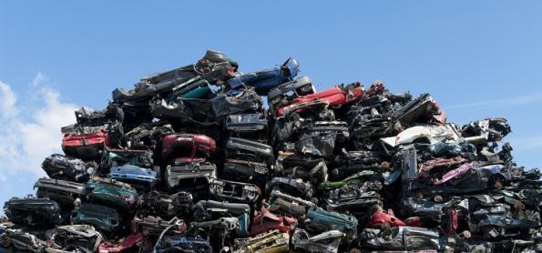 Sucata: o que fazer com os carros abandonados?