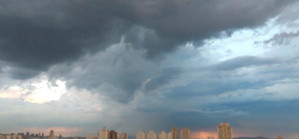 São Paulo em alerta para temporais