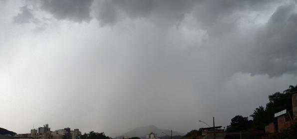 Pancadas de chuva continuam por quase todo país nesta quarta