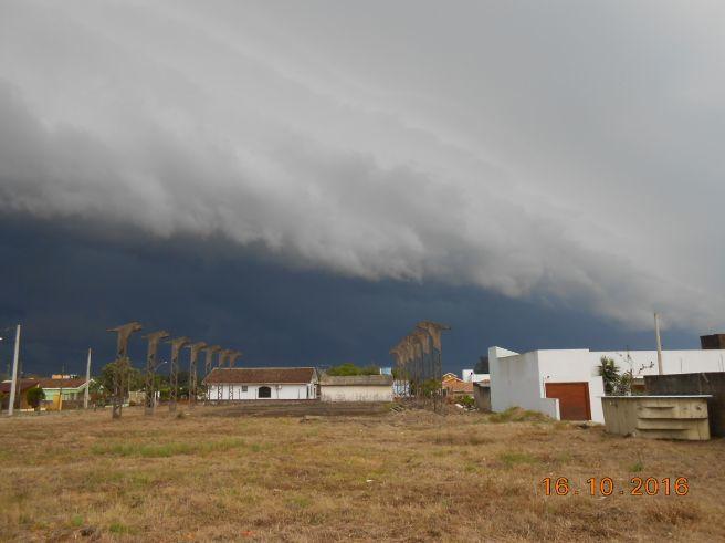 Assustador o tempo aqui em Santa Maria-RS - Categoria - Notícias Climatempo