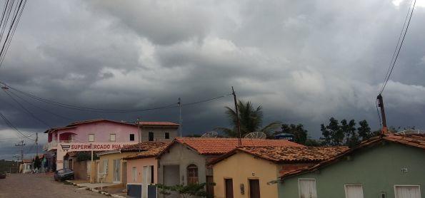 Nuvens Carregadas em Iramaia -BA