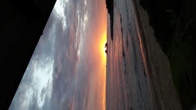 Amanhecer na praia de Itajuba SC