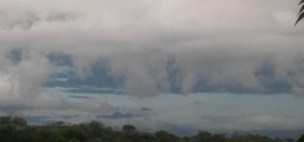 Nuvens cubulos nimbus