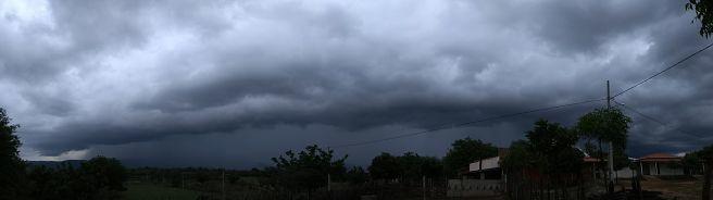 Shelf Cloud em São José da Lagoa Tapada-PB