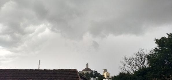 Calor e umidade voltam a instabilizar o tempo em Erechim (RS)
