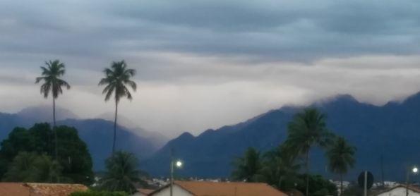 CHUVA E FRIO EM LIVRAMENTO BAHIA