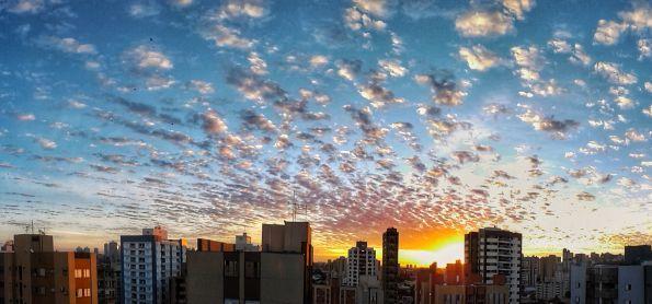 Anoitecer em Londrina (PR), 23/05/18