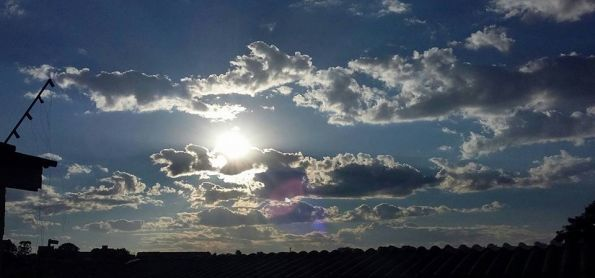 Domingo de sol e nuvens !!!