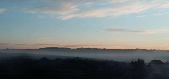 A  semana começou com frio e muita neblina.