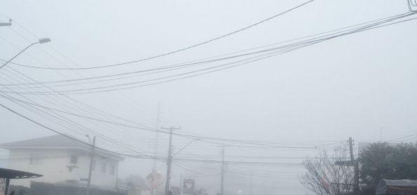 Nevoeiro denso em Curitiba PR
