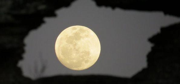 Nascer da lua de 23 de setembro em São Thomé das Letras
