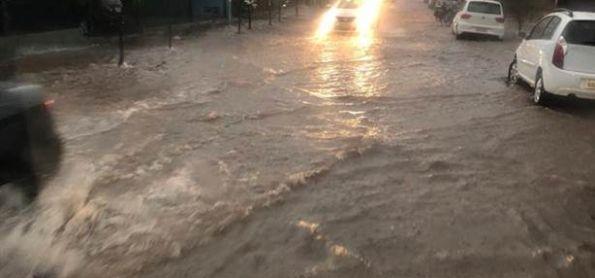 Chuva forte e rajadas de vento em Londrina em 24h