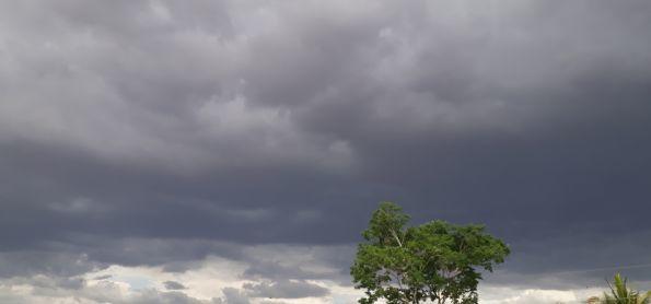 Nuvens carregadas em Vitória da Conquista - BA