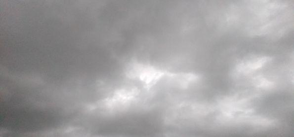 Nuvens de chuva em Castilho