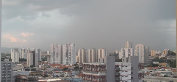Chuva com raios em Sao Paulo