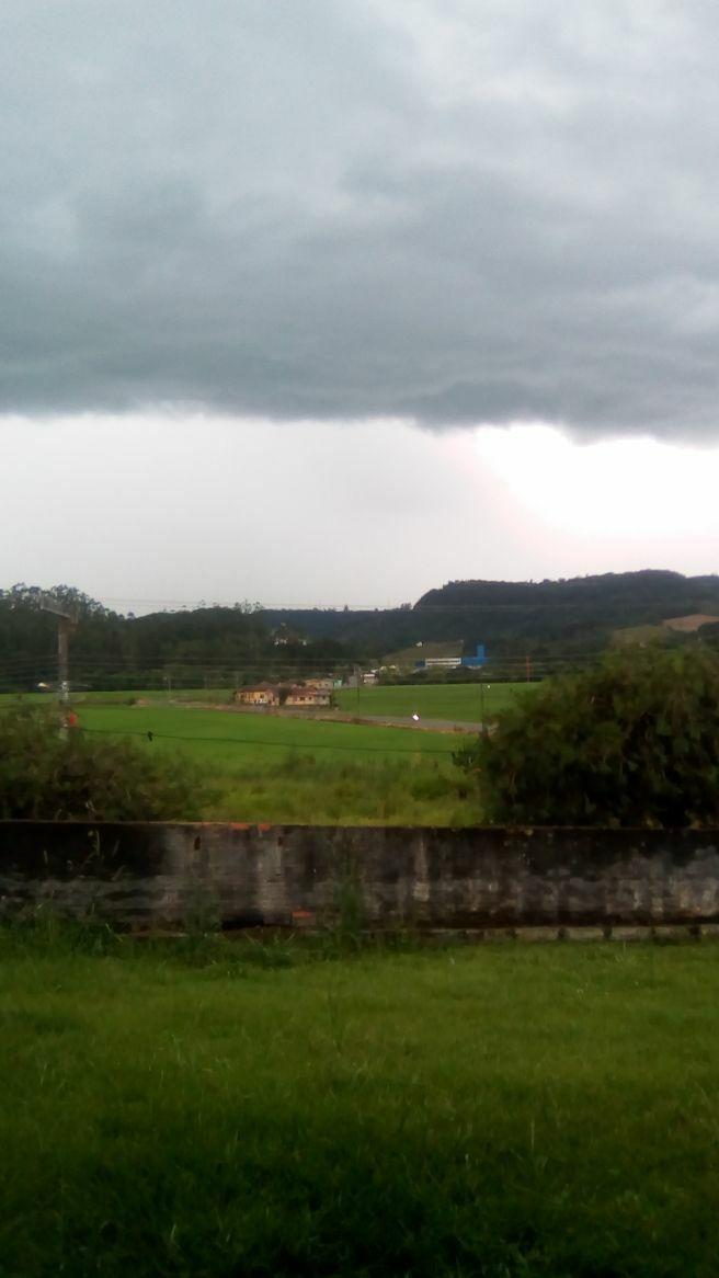 Vem vindo chuva forte