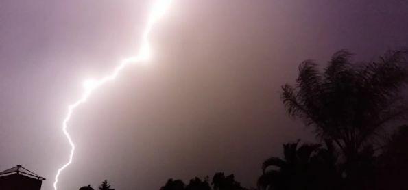Muitos raios ontem a noite em Itapira-SP