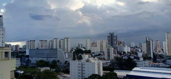 Chuva ao longe, foto tirada de Santo André - SP