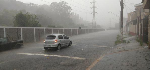Chuva e granizo em São Bernardo do Campo