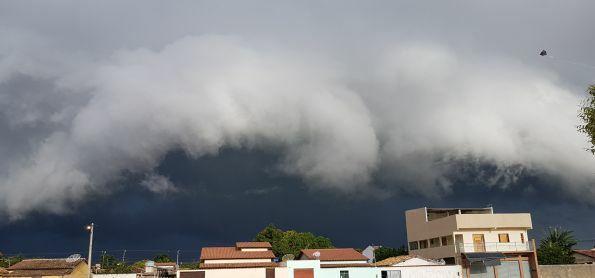 Nuvens negras!