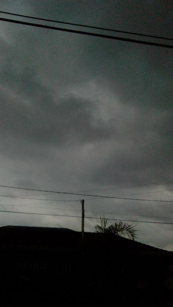 Começo de chuva em São Vicente