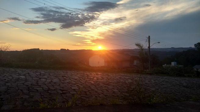 Por do Sol deste domingo em Erechim (RS)